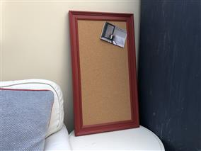 'Incarnadine' Large Cork Pin Board w. Traditional Frame