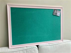 'Middleton Pink' Giant Pin Board w. Green Sundeala Board & Traditional Frame