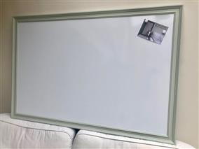 'Mizzle' Super Size Magnetic Whiteboard w. Traditional Frame